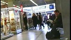 Exhibe à l'aéroport de deux françaises coquines et libertines